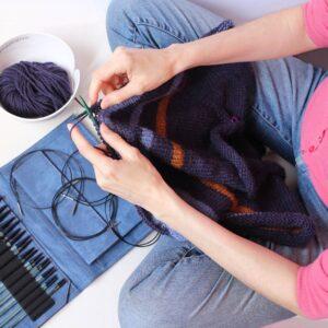 Curso online para aprender a tejer con agujas circulares al estilo continental